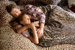 mamma-figlia-letto